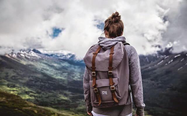 Что взять с собой в путешествие: список необходимых вещей для поездки за границу